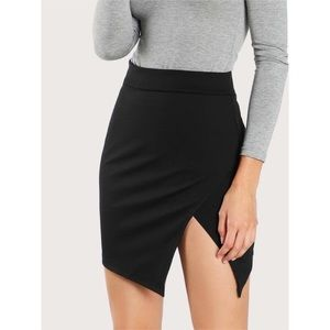 Alice & UO Asymmetric Slit Cut-Out Fitted Skirt